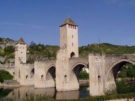 800px-Cahors_pont_Valentre_vgen