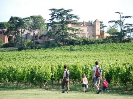 Randonnée en famille dans le vignoble / © B Jimenez